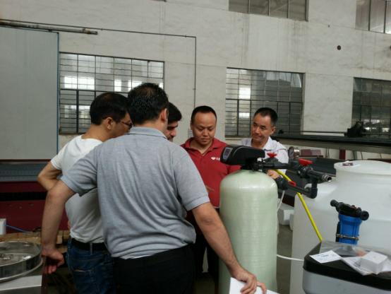 Clientes globales' Favor.png del aumento del jet de agua de YC